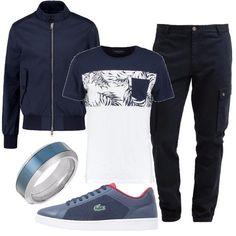 Loutfit è composto da un bomber leggero blu navy con chiusura con zip, una t-shirt con stampa ed un paio di pantaloni cargo. Il look si completa con un paio di sneakers basse Lacoste ed un anello a fascia in acciaio inossidabile.