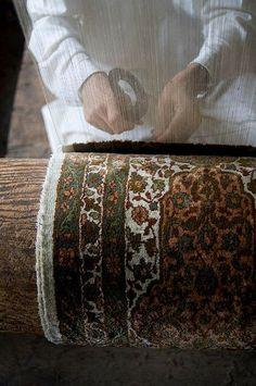 whitenoten:    Kashmir carpet weavers