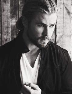 Chris Hemsworth in Empire magazine, January 2013. Cute guys Menstyles fashion for mens hair..facial hair beards cute. Suit.