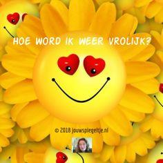 """Hoe word ik weer vrolijk? Als je een geweldig leven wilt leiden is het belangrijk om een positieve vibratie te hebben. Een vibratie van intens geluk, Liefde en dankbaarheid bijvoorbeeld. Maar wat doe je als je niet lekker in je vel zit? In """"hoe word ik weer vrolijk"""" geef ik je gratis mijn 3 beste persoonlijke tips die echt werken!"""