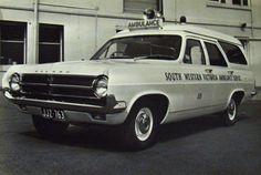 1965 Holden HD ambulance (Australian) Singer Cars, Holden Monaro, Holden Australia, Police Cars, Police Vehicles, Chevrolet Ss, Australian Cars, Bike Equipment, Vintage Medical
