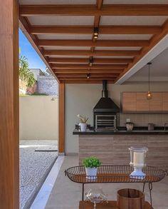 Wonderful gourmet balcony with covered pergola! Best Living Room Design, Design Bedroom, Dream House Interior, Backyard Patio Designs, Terrace Design, Covered Pergola, Outdoor Kitchen Design, Outdoor Living, Outdoor Decor