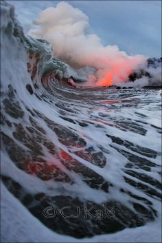 Totally thought this was a painting! Epic pic at hawaii, waves crashing on the lava. Right place at the right time. Love how it captures the meeting of the two, water and earth. Looks so beautiful :)