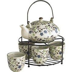 OOOOOOO I love tea sets!!!!!!