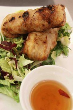rollitos vietnamitas con salsa de pescado