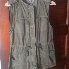 Army Green Vest Green pocketed vest-- only worn once! Per Se Jackets & Coats Vests