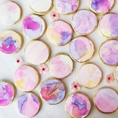 Our NEW watercolor Muse Leggings and Exhale Bra have us feeling inspired in the sweetest way! In honor of this fun fitness launch, we teamed up with Jennifer of Sweet Marie's to teach us how to watercolor paint cookies. Yes, that's a thi. Paint Cookies, Fondant Cookies, Cookie Icing, Iced Cookies, Royal Icing Cookies, Sugar Cookies, Owl Cookies, Cookie Cutters, Valentine Cookies