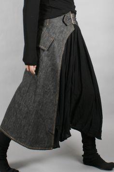 Y's by Yohji Yamamoto Black and grey skirt Dark Fashion, Boho Fashion, Fashion Looks, Womens Fashion, Skirt Fashion, Fashion Outfits, Kleidung Design, Moda Chic, Fashion Details