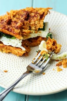 Get your waffle irons out for this Sweet Potato Waffle Breakfast Sandwich. Five simple ingredients combined for one epic paleo sandwich. Whole 30 Breakfast, Breakfast Waffles, Paleo Breakfast, Breakfast Recipes, Breakfast Sandwiches, Breakfast Ideas, Pancakes, Sweet Potato Waffles, Sweet Potato And Apple
