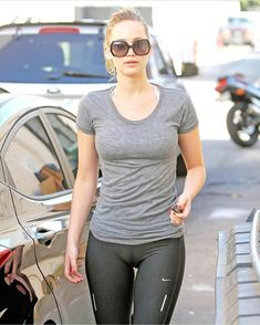Jennifer Lawrence: More 'Catching Fire' Casting Updates!: Photo Jennifer Lawrence starts her day off right by visiting Kor Health & Fitness on Wednesday (August in Santa Monica, Calif. The actress visited… Fitness Outfits, Jean Sexy, Camelo, Training Fitness, Body Inspiration, Fitness Inspiration, Sensual, Yoga Pants, Kentucky