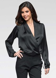 satin blouse: 54 thousand results found on Yandex. Blouse Sexy, Blouse And Skirt, Blouse Outfit, Satin Blouses, Chiffon Blouses, Satin Shirt, Purple Satin, Beautiful Blouses, Silk Satin