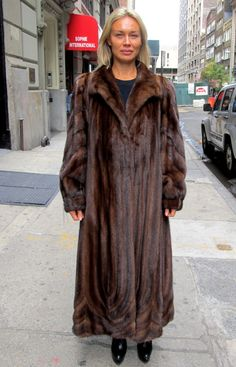 Pre-Owned Natural Demi Buff Female Mink Directional Swing Coat ( size: 12 – 14)