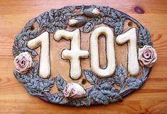 Keramické domovní číslo zdobené po obvodu čajovými růžemi Cookies, Desserts, Food, Crack Crackers, Tailgate Desserts, Biscuits, Postres, Deserts, Essen