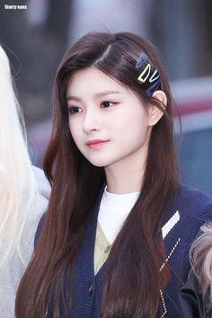 South Korean Girls, Korean Girl Groups, Twice Clothing, Diy Hair Scrunchies, Kpop Girl Bands, Korea Boy, Girly Pictures, Blackpink Fashion, My Princess