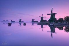 #Netherlands #Nederland #Niederlande #Holland #North Holland #Holanda #Amsterdam #Zaanse Schans #Zaandijk #Zaanse #Zaandam #Zaanstad #Schans #Zaan #Zaanse #Europe #windmill #windmühle #windmühlen #windmills #mill #reflection #reflection #blue #blue sky #sk Photographer: Daniel Rericha