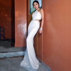 Pantesan semalem Nadz keliatan cantik banget, eh gataunya emng grgr make up by herself 👏😍 from - NADINE LUSTRE in for the awards last night . Nadine Lustre Ootd, Nadine Lustre Fashion, Nadine Lustre Outfits, Lady Luster, Flattering Outfits, Evening Dresses, Formal Dresses, Formal Wear, Jadine