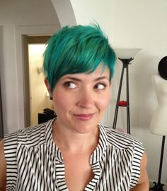 Do This Don't: Blue Hair at 35 | xoJane