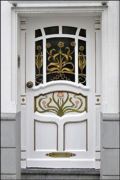 Art deco front door. Heide, Essen, Nordrhein-Westfalen, Germany