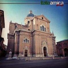 This is the Reggio Emilia Cathedral. Follow us on instagram to discover beautiful italian places!