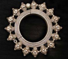 Vintage Floral Hing Bracelet