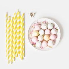 Yellow paper straws /Paie de hartie galbene