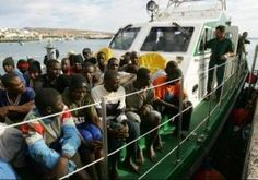 Due sbarchi a Lampedusa, arrivati in Sicilia oltre cento immigrati - See more at: http://www.resapubblica.it/it/evidenza-2/3084-due-sbarchi-a-lampedusa,-arrivati-in-sicilia-oltre-cento-immigrati#sthash.hZE50Vdn.dpuf