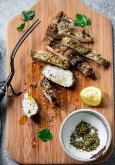 Lemon Za'atar Chicken with Fried Chickpeas and Herb Tahini Tahini Chicken Recipe, Chicken Recipes, Lemon Chicken, Fried Chicken, Chicken Chickpea, Tahini Sauce, Chickpeas, Curry, Cooking Recipes