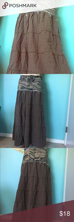 Distressed Vanilla Star Camo cotton maxi Desert Lightweight and comfortable for your trip into the desert! Vanilla star jeans denim camouflage with pockets on top with an eyelet textured army green cotton maxi skirt. Size 5.  It is 98% cotton 2% spandex. This would look amazing with big army boots and a green tank top and tons of turquoise necklaces! Vanilla Star Skirts Maxi