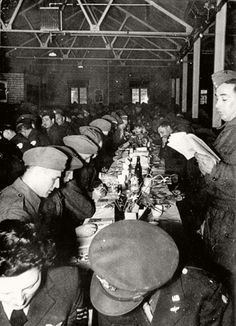 A Passover seder for Jewish Allied soldiers during World War II