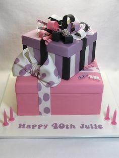 2-Tier Present Box cake | Flickr: Intercambio de fotos