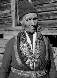 Sami woman from Sweden with a silver collar. 1935. Samisk kvinne fra Sverige med sølvkrage. NMA.0035285 | Flickr - Photo Sharing!