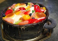 鍋まで丸ごと食べられる!?「お鍋ケーキ」がサプライズにぴったりすぎ! - Find Travel
