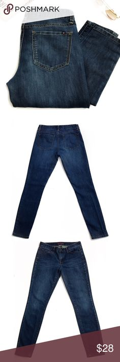 Tommy Hilfiger Midnight Denim Jeans Size 2 EUC Tommy Hilfiger Midnight Denim Jeans Size 2 EUC Create your sexiest silhouette with these curve-hugging performance stretch skinny jean. Your legs never had it so good.  🎁Features: Distressed Along Waists Line, Butt Enhancing, Botton Thread Pull  🎁Coloring: Dark Blue Denim, Brown Stitching   🎁Fit: 2 , Inseam: Approx. 28 1/4 in.   🎁Condition: Excellent Used Quality   🎁 Fabric: 67% Cotton 33% Elastane    Offers✅ Bundle Deals✅ Trades❌ Tommy…
