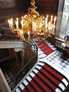 ♜ Shabby Castle Chic ♜ rich and gorgeous home decor - Grand staircase. Interior Architecture, Interior And Exterior, Grand Staircase, Staircase Design, Luxe Life, Eiffel, Paris Apartments, French Chateau, Stairway To Heaven