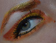 Sailor Venus inspired make up by http://daily-makeup.blogspot.de/2012/11/schminkaktion-sailor-venus.html