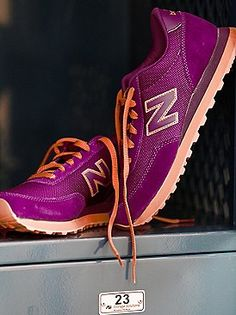 Version grise et jaune Free People Sole Pack Trainer, Free People Clothing, Clothes For Women, Wedge Boots, Shoe Boots, New Balance Trainers, Official Shoes, Jeweled Shoes, Purple Shoes, Workout Wear