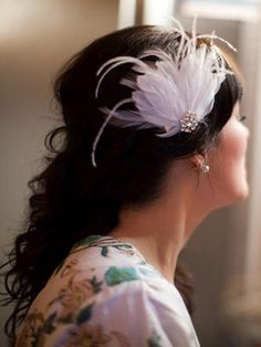 Red and Blue Rustic Wedding with DIY Chalkboard Details | Confetti Daydreams - DIY feather and brooch fascinator ♥
