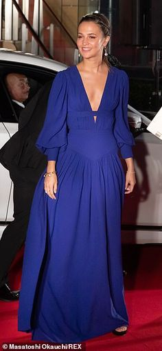 Alicia Vikander wows in a plunging blue gown as she attends Tokyo Film Festival's opening ceremony Alicia Vikander Style, High Fashion, Fashion Show, Blue Gown, Kendall Jenner Outfits, Victoria Dress, Red Carpet Dresses, Red Carpet Fashion, Stylish Girl