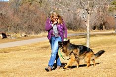 Safety First!  What to Do When an Off-Leash Dog Approaches Your Leashed Dog... ‪#‎dogtraining‬ ‪#‎dogparenting‬