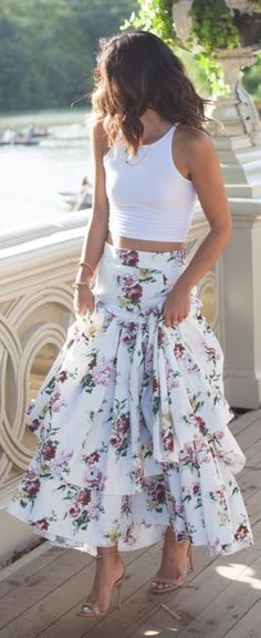 How to Wear a White Floral Maxi Skirt looks & outfits) Spring Summer Fashion, Spring Outfits, Summer Outfit, Spring 2016, Casual Summer, Beach Casual, Spring Style, Mode Outfits, Skirt Outfits