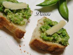 Pesto di fave  http://leleccorniedidanita.blogspot.it/2011/05/pesto-di-fave.html
