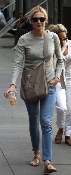 grey long sleeved tee w/ grey messenger purse