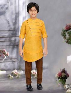 Boys Kurta Suit Shopping - Buy 1 to 16 year Boys Kurta Pajama Sets online Kids Wedding Suits, Kids Kurta, Boys Kurta Design, Kurta Patterns, Boy Outfits, Fashion Outfits, Boys Clothes Style, Indian Fashion Dresses, Boys Suits