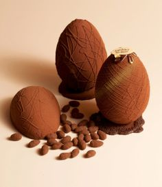 - Ovo de Páscoa, chocolate -