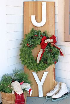14 Outdoor Christmas Decorations - Ideas for Christmas Garlands and Doors - Country Living