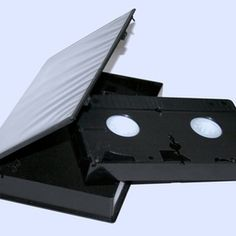 Copy an entire VHS tape onto a flash drive with an analog-to-digital converter box. Technology Hacks, Computer Technology, Computer Programming, Computer Help, Computer Tips, Tech Hacks, Tech Gadgets, Vhs To Dvd, Vhs Movie