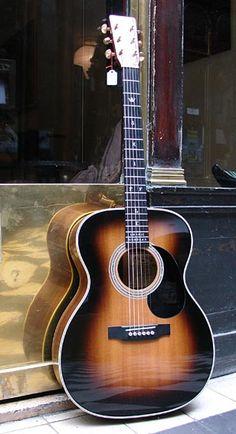 MARTIN 000 28 guitar