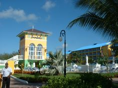 Sandals Grande St. Lucia #sandalsresorts #romantichoneymoon #allinclusive