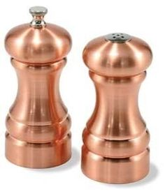 Brushed Copper (Plated) Peppermill and Salt Shaker Set Carbon steel grinding mechanism in the pepper mill Height: Pepper mill is fully adjustable, coarse t Copper Kitchen Accessories, Copper Kitchen Decor, Kitchen Dining, Copper Decor, Dining Table, Shabby Chic Pink, Rose Gold Kitchen, Salt And Pepper Mills, Stuffed Peppers
