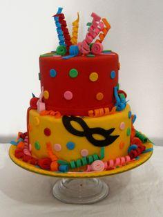 Bolo Tema Carnaval cakepins.com Carnival Cakes, Carnival Decorations, Festival Decorations, 13th Birthday Parties, 2nd Birthday, Beautiful Cakes, Amazing Cakes, Cupcake Tutorial, Birthday Cakes